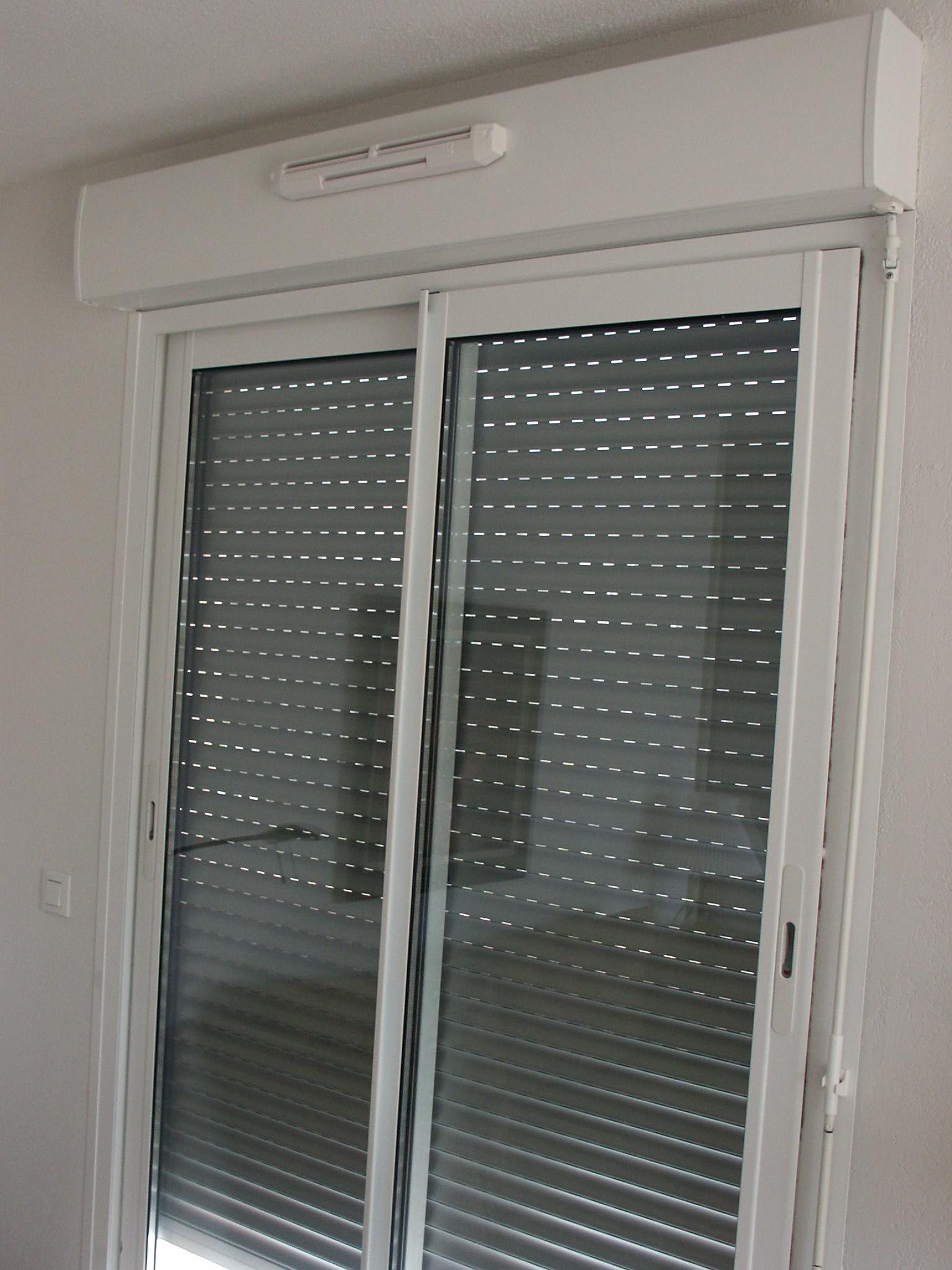 menuiseries aluminium dite monobloc optim 39 alu nice fen tres et portes pvc aluminium. Black Bedroom Furniture Sets. Home Design Ideas
