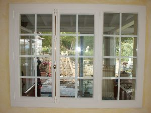 Fenêtres PVC (TECHNAL) équipées de « petits carreaux blanc » GRASSE - 06130 - 2006 | Optim'alu ...